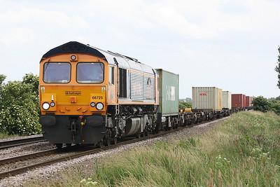 66725 SUNDERLAND AFC approaches Welney Road AHB on 4Z25 Felixstowe North - Rotherham Masborough, 15/06/18.