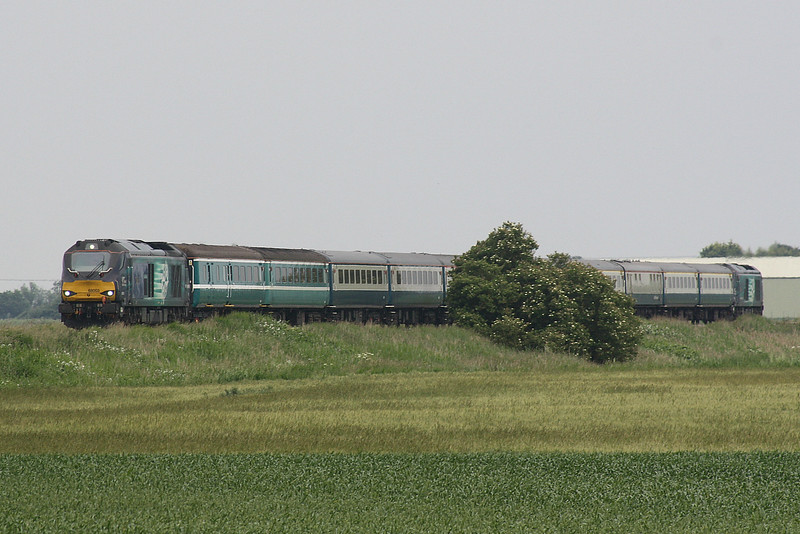 68003 ASTUTE approaches Horsemoor AHB on the Norwich - Burton on Trent empty stock of yesterday's NENTA Norwich - Edinburgh Rail Tour, 68016 FEARLESS on the rear, 23/06/19.