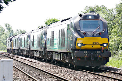 68004 RAPID leads 68001 EVOLUTION, 68018 VIGILANT, 68002 INTREPID and 37419 CARL HAVILAND towards Badgeney Road AHB on 0Z30 Norwich Crown Point - Crewe Gresty Bridge after completion of duties at the Great Yarmouth Airshow of the previous weekend, 18/06/18.