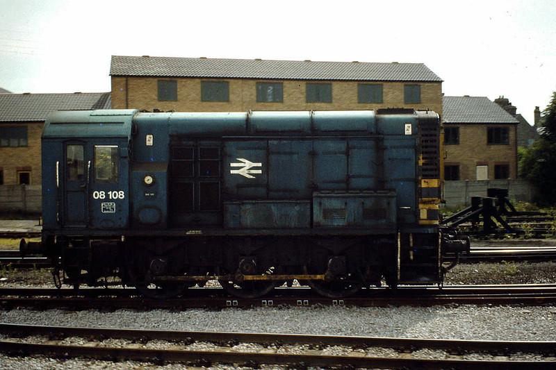 08108, Cambridge Station, between shunting duties, 13/06/81.
