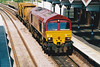 66139 coasts into March Station with a very short 6L76 Doncaster - Ely North Junction, 30/05/00.