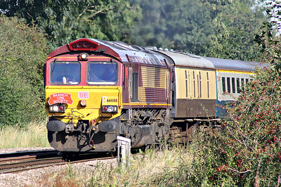 66088, replete with headboard, heads the Branch Line Society's 'Bow Bells' Rail Tour approaching Silt Road Crossing with 66041 trailing, 14/09/19. The tour starts/ends in Nottingham and is bound to explore an array of obscure sidings in the east of England.