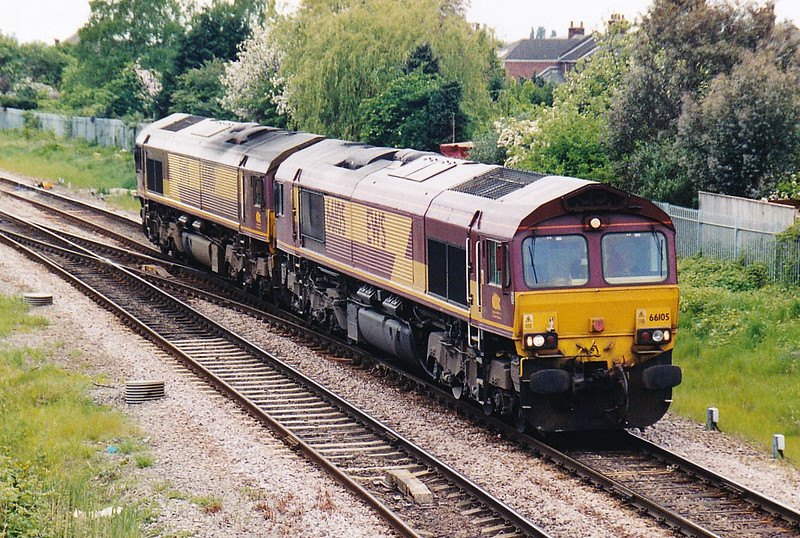66105/66180 take March West Junction bound into Whitemoor for engineering duties, 05/05/07.