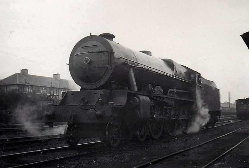 Class B 1A - 801 MACHA - GSR Class 800 4-6-0, built 1939 by Inchicore Works - 1945 to CIE - withdrawn 1962 - seen here at Inchicore Depot, 09/55.