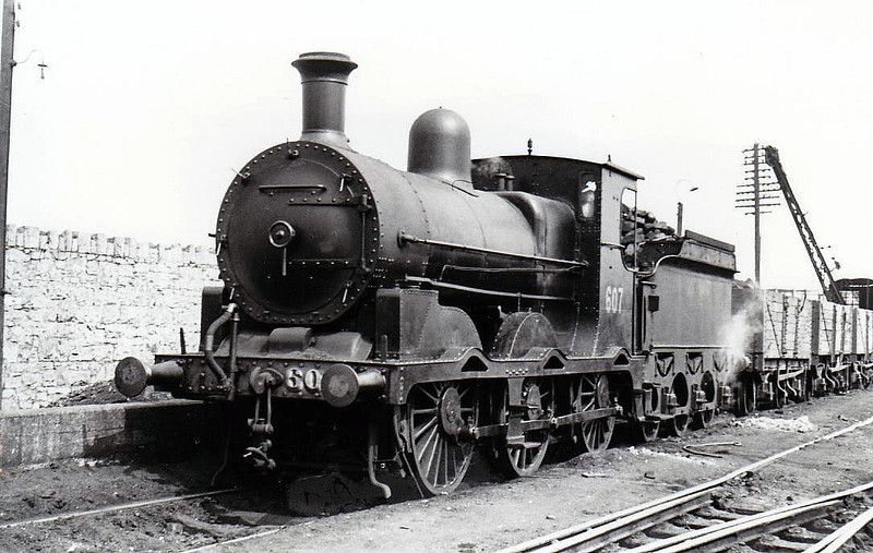 Class J19 - 607 - M&GWR Class L 0-6-0 - built 1889 by Broadstone Works as M&GWR No.69 ATHLONE - 1904 rebuilt with Belpaire boiler, 1925 to GSR as No.607, 1934 rebuilt, 1945 to CIE - withdrawn 1962 - seen here at Athlone in 1953.