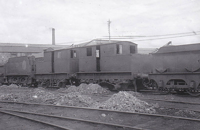 Class M1 - 280/281 - Sentinel 0-4-0VBT - built 1927 by Sentinel Waggon Works, Works No.s 6846/7 as GSR Nos. 1/2 - 1927 renumbered to GSR Nos. 280/281 - 1945 to CIE - 1948 withdrawn - seen here at Inchicore in June 1948, probably withdrawn.