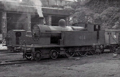 Class B 4 - 464 - 4-6-0T, built 1920 by Beyer Peacock as Cork, Bandon & South Coast Railway No.8 - 1925 to GSR, 1945 to CIE, 1946 rebuilt with Belpaire boiler - withdrawn 1963.