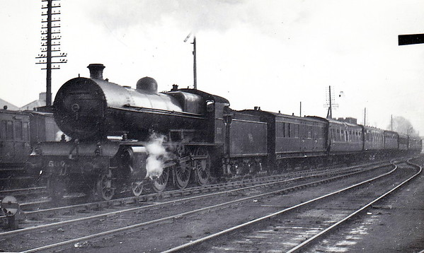 Class B 1A - 800 MAEDHBH - GSR 800 Class 4-6-0, built 1939 by Inchicore Works - 1945 to CIE - withdrawn 1962 - seen here at Inchicore on the 1030 Dublin - Cork/Tralee express in November 1953.