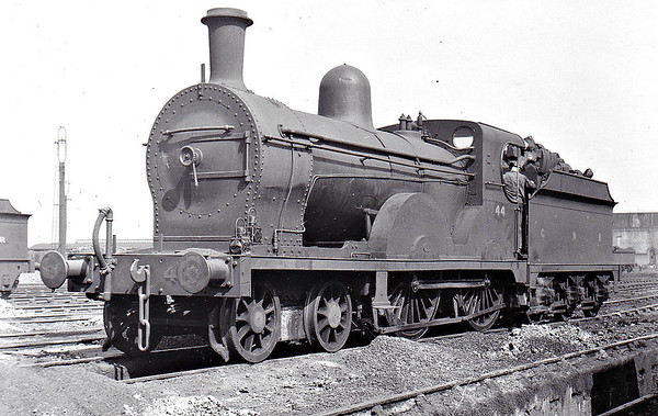 Class PP - 44 LEINSTER - GNR(I) 4-4-0, built 1911 by Beyer Peacock - 1928 rebuilt to Class PPs, 1944 rebuilt - 1958 to CIE as 44N - withdrawn 1960 - seen here at Adelaide MPD in April 1951.
