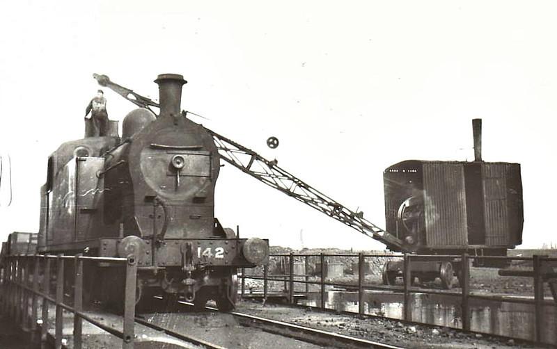 Class T2 - 142 - GNR(I) 4-4-2T, built 1924 by Nasmyth Wilson - 1958 to UTA as No.142x - withdrawn 1960 - seen here at Dublin Amiens Street, 09/50.