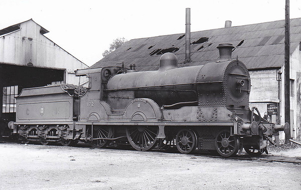 Class S - 172 SLIEVE DONARD - GNR(I) 4-4-0 - built 1913 by Beyer Peacock - 1938 rebuilt - 1958 to UTA as No.60 - withdrawn 1965 - seen here at Dundalk in July 1950.