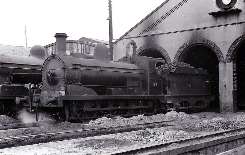 Class AL - 58 KERRY - Park GNR(I) 0-6-0, built 1895 by Beyer Peacock & Co., Works No.3798 - 1958 to CIE - 1959 withdrawn - seen here at Dundalk.