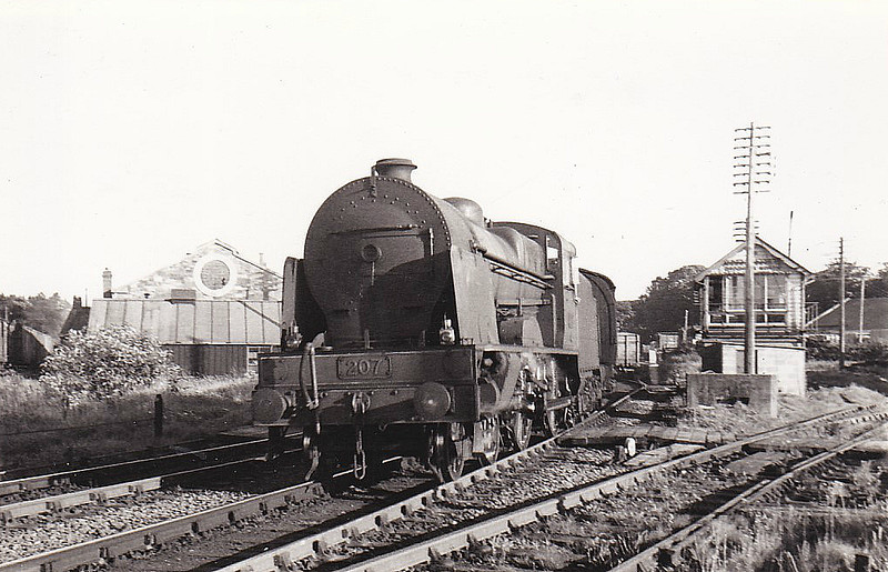 Class VS - 207 BOYNE - GNR(I) 4-4-0, built 1948 by Beyer Peacock - 1958 to CIE as 207N - withdrawn 1963 - seen here leaving Drogheda on a Belfast train, 08/58.