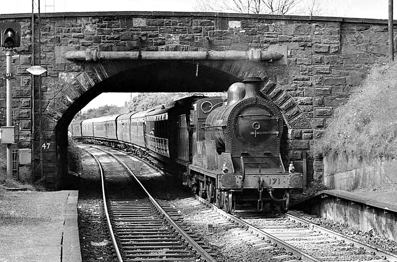 Class S - 171 SLIEVE GULLION - GNR(I) 4-4-0 - built 1913 by Beyer Peacock - 1939 rebuilt - 1958 to CIE as No.171N - withdrawn 1963 - preserved - seen here at Bangor West in 1981.