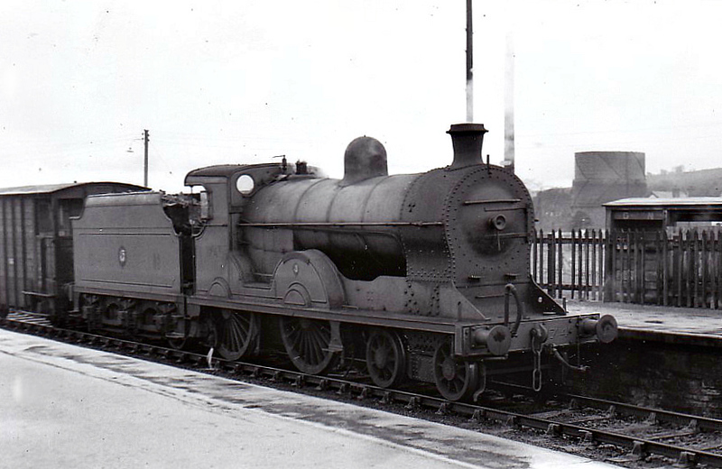 Class S - 174 CARRANTUOHILL - GNR(I) 4-4-0 - built 1913 by Beyer Peacock - 1939 rebuilt - 1958 to CIE as No.174N - withdrawn 1963 - seen here at Strabane.