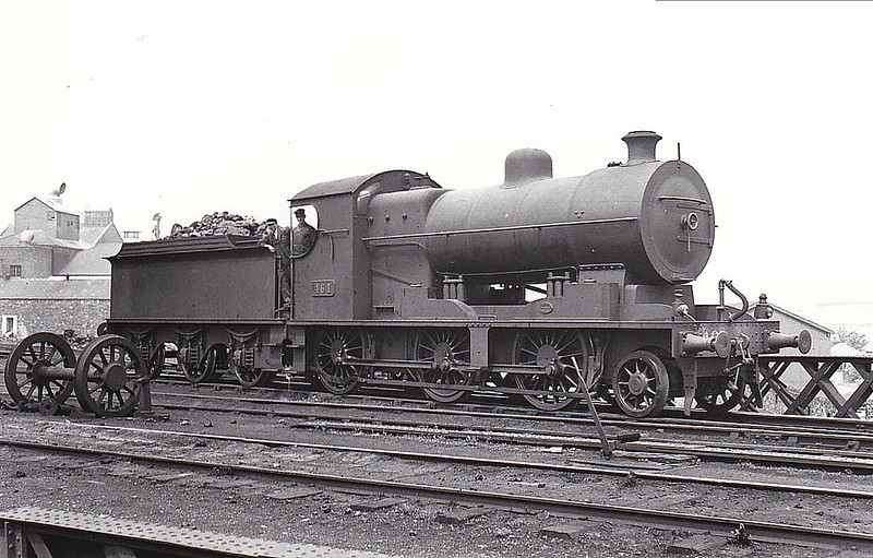 Class K2 - 461 - Dublin & South Eastern Railway 2-6-0 - built 1922 by Beyer Peacock & Co. as D&SER No.15 - 1925 to GSR as Class 461 No.461, 1945 to CIE - 1961 withdrawn.