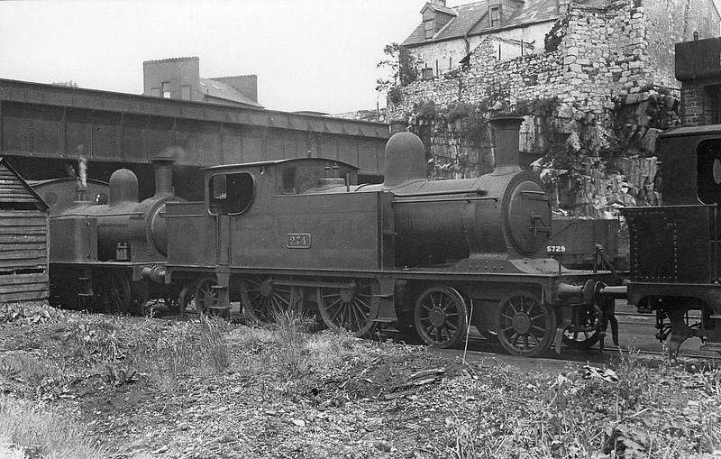 Class C5 - 274 - Waterford, Limerick & Western Railway 4-4-2T - built 1897 by Kitson & Co. as WL&WR No.21 BLARNEY CASTLE - 1901 to GSWR as No.274, 1924 rebuilt, 1925 to GSR as Class 269, 1945 to CIE - 1949 withdrawn.