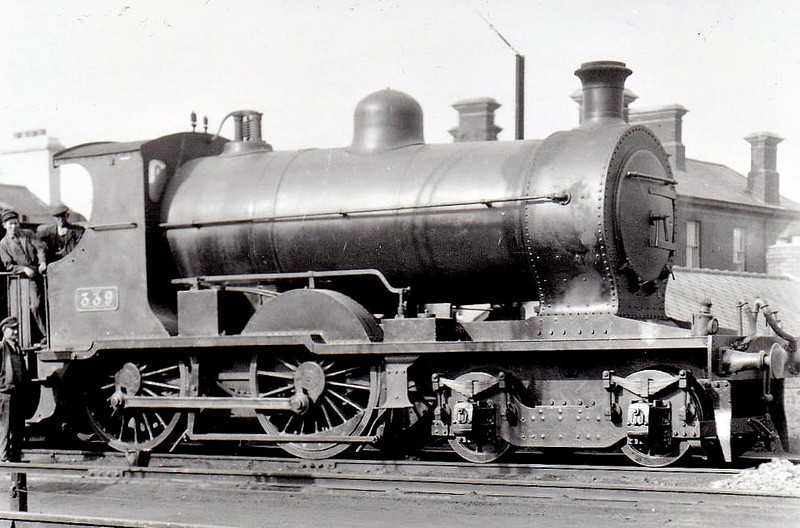 Class D 2 - 339 - GS&WR Class 333 4-4-0, built 1908 by Inchicore Works - 1925 to GSR, 1933 rebuilt with Belpaire boiler, 1945 to CIE - withdrawn 1959 - seen here at Bray in 1932.