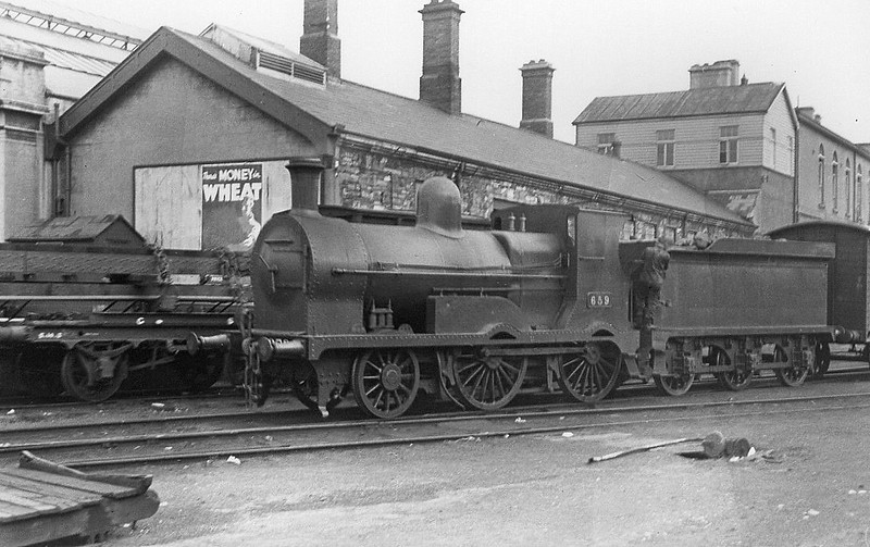 Class G2 - 659 - MGWR Class K 2-4-0 - built 1893 by Broadstone Works as MGWR No.13 RAPID - 1922 superheated, to Class Ks, 1925 to GSR as Class 650 No.659, 1932 rebuilt with superheated Belpaire boiler, 1945 to CIE, 1950 rebuilt with round-topped boiler, 1953 rebuilt with Belpaire boiler - 1961 withdrawn.