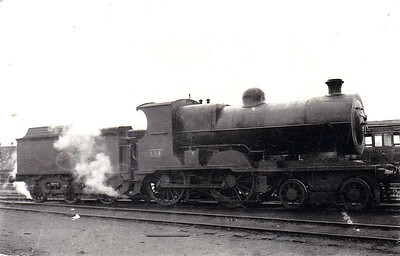 Class D 2 - 334 - GS&WR Class 333 4-4-0 - built 1907 by Inchicore Works - 1925 to GSR, 1932 rebuilt with Belpaire boiler, 1945 to CIE - withdrawn 1955.