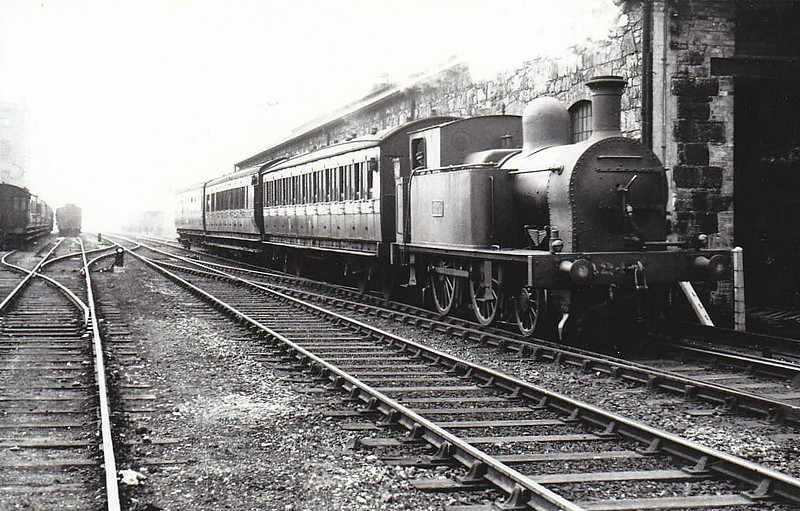 Class G 1 - 424 - DW&WR 2-4-0T - built 1890 by Grand Canal Street Works as DW&WR No.9 DALKEY - 1925 to GSR, 1934 rebuilt with Belpaire boiler, 1945 to CIE - withdrawn 1952 - seen here at Grand Canal Street, 06/38.