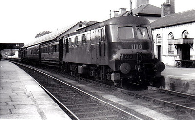 CORAS IOMPAIR EIREANN - 1100 - 2 Class C2A engines built 1950/1 as CIE Nos.1100/1101 by Inchicore Works with 960hp Sulzer engine - 1957 to CIE No.B113 - withdrawn 07/01/75 - preserved at Inchicore Works - seen here at Mallow on a Dublin - Cork stopping train, 09/55.