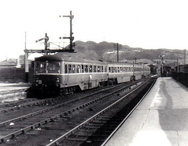 CORAS IOMPAIR EIREANN - 2651 - 2600 Class DMU, 66 2-car sets built from 1951 by AEC - all withdrawn by 1975, many converted to push/pull driving trailers - seen here departing Bray on the rear of a train for the south headed by No.2620, 26/08/56.