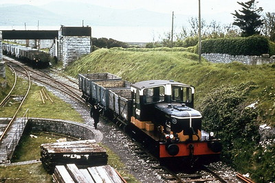 CORAS IOMPAIR EIREANN - G617 - last of 7 Class G shunters built in 1961/2 by Motorenfabrik Deutz of Koln - 12/76 withdrawn - 1977 sold to Irish Sugar Corpn. - preserved by ITG at DCDR - seen here at Fenit in 1963.