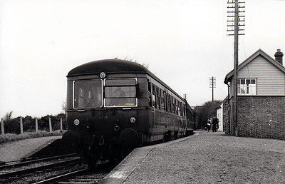 CORAS IOMPAIR EIREANN - 2615 - 2600 Class DMU, 66 2-car sets built from 1951 by AEC - all withdrawn by 1975, many converted to push/pull driving trailers - seen here at Waterfall Station.