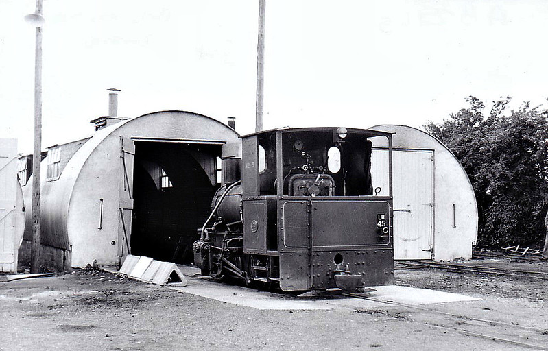 BORD NA MONA - No.45 - 0-4-0WT - 3 foot gauge - built 1949 by Andrew Barclay & Sons as Bord na Mona No.3 - later to No.45 - 1953 withdrawn - seen here in 06/54.