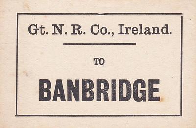 GREAT NORTHERN RAILWAY (IRELAND) LUGGAGE/PARCELS LABEL - BANBRIDGE.