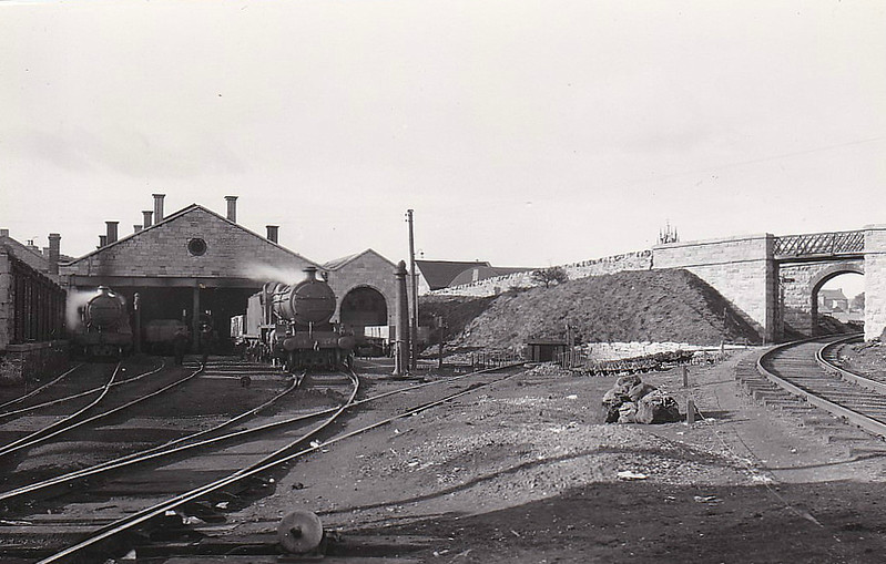 GALWAY MPD - Seen here in 1933, in Great Southern Railway days, with Class 372 Mogul No.374 standing before the depot.