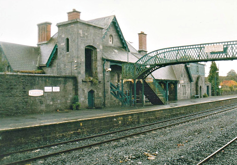 PORTARLINGTON RAILWAY STATION - Opened in 1847, this view is looking towards Dublin. Just beyond the station in the other direction, the line to Cork divides from line to the Far West. The third, through track was removed to allow the platforms to be lengthened and widened. Seen here in October 2002.