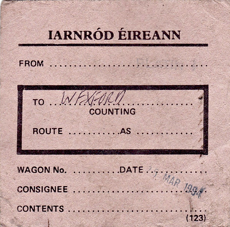 IARNROD EIREANN WAGON LABEL - Wagon sent to Wexford on March 25th, 1994. Interestingly, the same as the CIE label but with a different name.