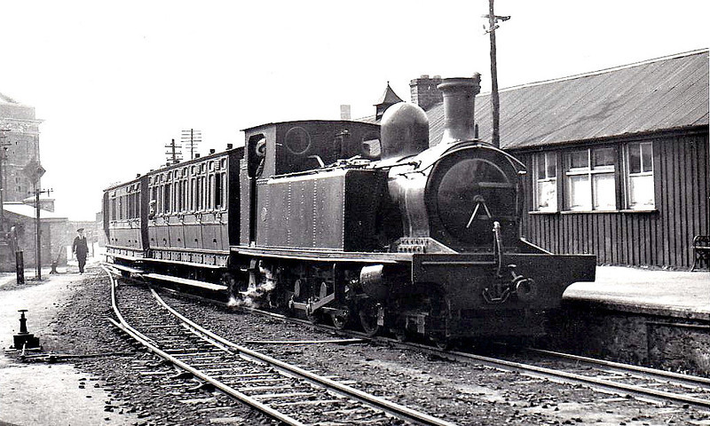 A 4-6-2T, probably No.13 or 14, built 1910 by Hawthorn Leslie.