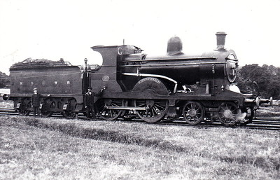 Class C1 - 11 ERIN-GO-BRAGH - Cusack MGWR Class C 4-4-0 - built 1915 by Broadstone Works - 1925 to GSR as No.544 - 1926 rebuilt with superheated Belpaire boiler - 1945 to CIE - 1955 withdrawn - seen here when new.