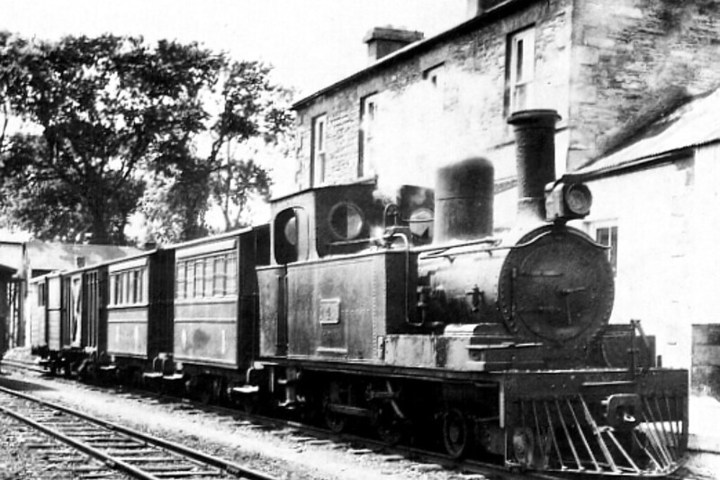 SCHULL & SKIBBEREEN LIGHT RAILWAY - No.4S - 4-4-OT - built 1888 by Nasmyth Wislon & Co., Works No.341, as S&SLR No.4 ERIN - 1925 to GSR as No.4S - 1945 to CIE - withdrawn 1954 - seen here near Schill in 1939 - first locomotive in British Isles to be fitted with a Belpaire boiler.