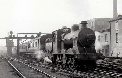 Class V - 15 - NCC Class V 0-6-0, built 1923 by Derby Works as NCC No.73 - 1923 to NCC No.15 - 1953 rebuilt to Calss V1 - withdrawn 1961 - seen here approaching Belfast York Road.
