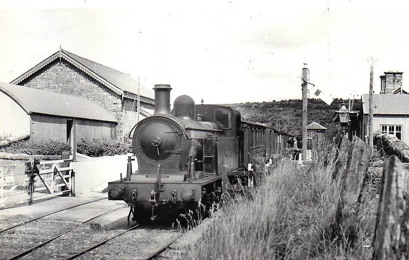 LOUGH MELVIN - 0-6-4T, built 1949 by Beyer Peacock & Co., Works No.7138 - not delivered in 1951 due to impoverished state of SLNCR - 1959 to UTA as No.26 - 1968 to NIR - withdrawn 1968.