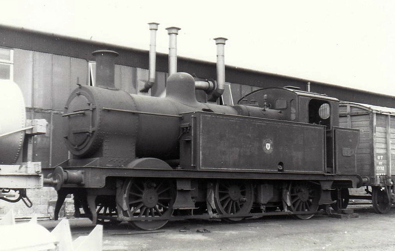 19 - Class Y 0-6-0T, built 1928 by Hunslet Engine Co. as LMS No.16632 - 1934 to LMS No.7553 - 1944 acquired from LMS as NCC No.19 - 1948 to UTA - withdrawn 1963 - seen 05/62.