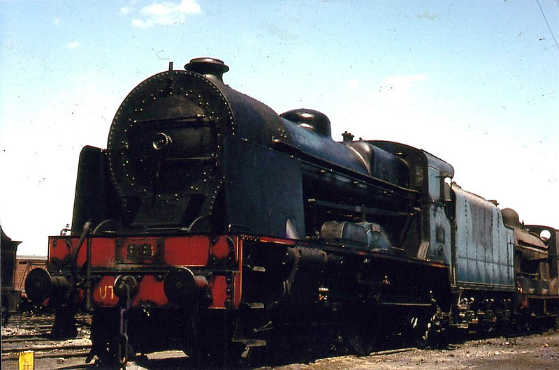 86x PEREGRINE - GNR(I) Class V 4-4-0 - built 1932 by Beyer Peacock as GNR(I) No.86 - 1958 to UTA as No.86x - withdrawn 1961.