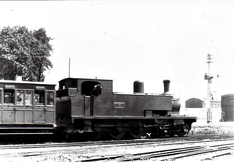 No.3c ENNISTYMON - 4-6-0T, built 1922 by Hunslet Engine Co., Works No.1432, as WCR No.3 - 1925 to GSR as No.3c, 1945 to CIE - withdrawn 1953 - seen here at Ennis in 1932.