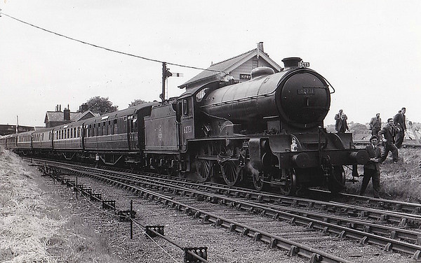 62731 SELKIRKSHIRE - Gresley LNER Class D49 4-4-0 - built 03/29 by Darlington Works as LNER No.2756 - 06/46 to LNER No.2731, 09/48 to BR No.62731 - 04/59 withdrawn from 50C Selby - seen here at Kirkby Moorside on the RCTS 'Yorkshire Coast Rail Tour', 23/06/57. This loco hauled the train over most of a very convoluted route.