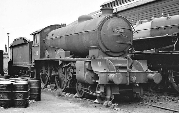 62712 MORAYSHIRE - Gresley LNER Class D49 4-4-0 - built 03/28 by Darlington Works as LNER No.246 - 11/46 to LNER No.2712, 04/50 to BR No.62712 - 07/61 withdrawn from 64G Hawick - seen here at Dalry Road.