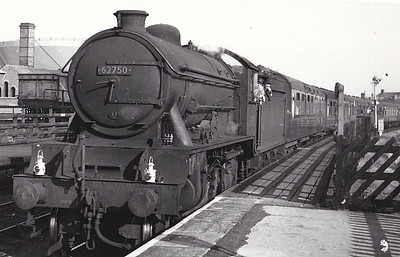 62750 THE PYTCHLEY - Gresley LNER Class D49 4-4-0 - built 09/33 by Darlington Works as LNER No.298 - 12/46 to LNER No.2750, 10/49 to BR No.62750 - 11/58 withdrawn from 53B Hull Botanic Gardens.