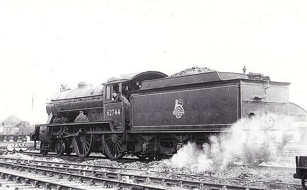 62744 THE HOLDERNESS - Gresley LNER Class D49 4-4-0 - built 10/32 by Darlington Works as LNER No.273 - 12/46 to LNER No.2744, 10/48 to BR No.62744 - 12/60 withdrawn from 64G Hawick.