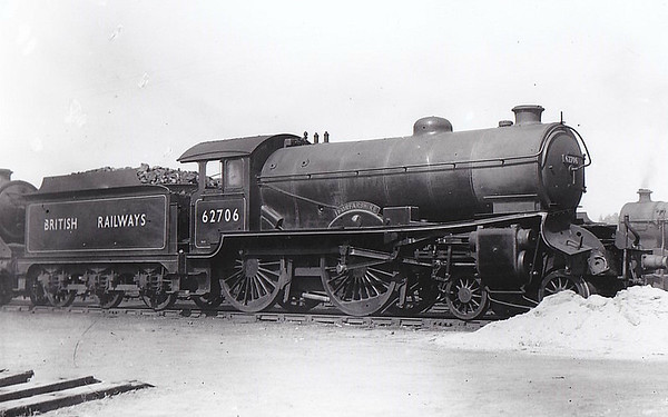 62706 FORFARSHIRE - Gresley LNER Class D49 4-4-0 - built 12/27 by Darlington Works as LNER No.266 - 09/46 to LNER No.2706, 09/48 to BR No.62706 - 02/58 withdrawn from 62A Thornton Junction - seen here with front end damage.