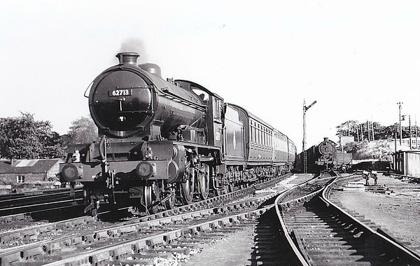 62713 FORFARSHIRE - Gresley LNER Class D49 4-4-0 - built 02/28 by Darlington Works as LNER No.249 - 09/46 to LNER No.2713, 07/48 to BR No.62713 - 09/57 withdrawn from 62A Thornton Junction - seen here at Dalmeny, 07/52.