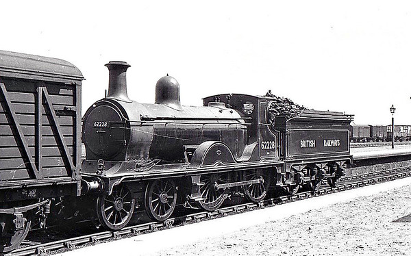 62228 - Pickersgill GNSR Class V LNER Class D40 4-4-0 - built 12/00 by Neilson Reid & Co. as GNSR No.81 - 1924 to LNER No.6881, 1946 to LNER No.2228, 09/48 to BR No.62228 - 02/52 withdrawn from 61C Keith - seen here at Fraserburgh, 06/49