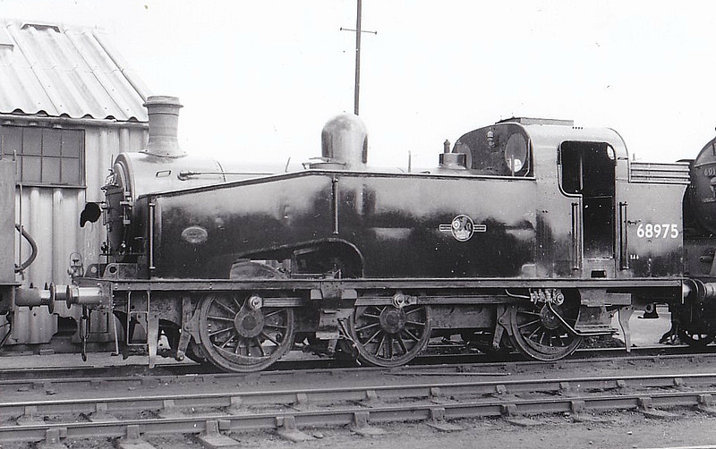 68975 - Gresley GNR/LNER Class J50 0-6-0T - built 04/30 by Doncaster Works as GNR No.2792 - 04/46 to LNER No.8975, 04/48 to BR No.68975 - 07/61 withdrawn from 34A Kings Cross - seen here at Doncaster, 05/58.